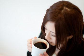 カフェインレスコーヒーは脳スイッチを入れられるのか?