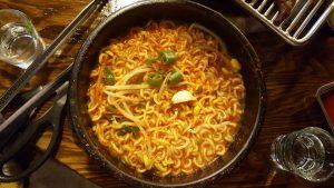 インスタントラーメンの効能とおすすめレシピ、食品成分表