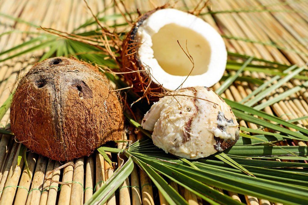 ココナッツウォーターの効能とおすすめレシピ、食品成分表