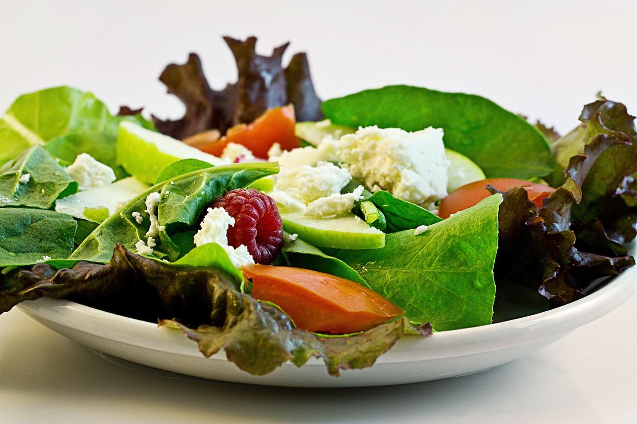 フルーツと野菜サラダ