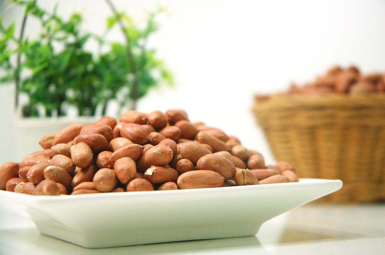 落花生(ピーナッツ)の特徴とおすすめレシピ、食品成分表