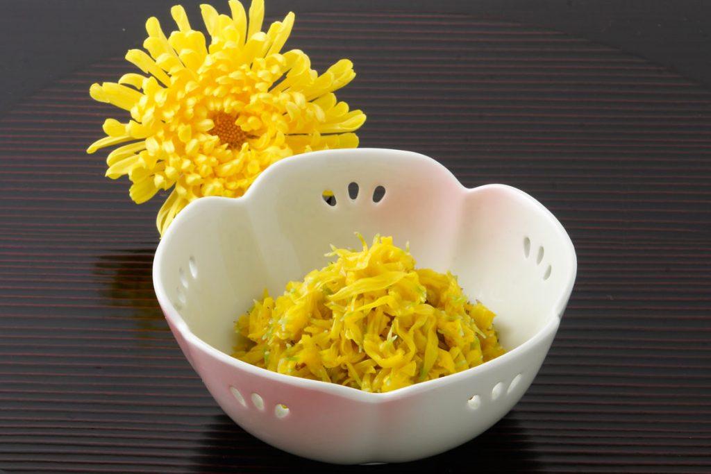 菊の特徴とおすすめレシピ、食品成分表