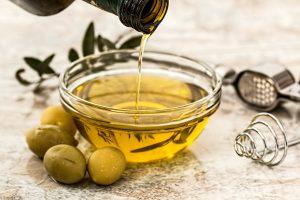 オリーブオイルの効能とおすすめレシピ、食品成分表